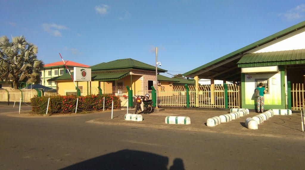 Hoofdingang ziekenhuis